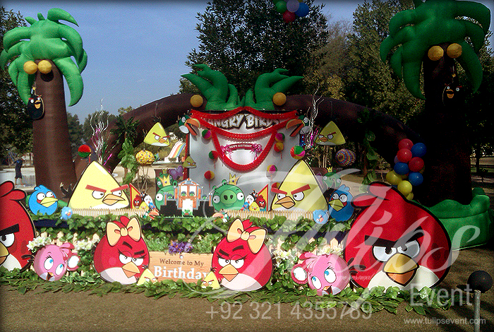 Tulips event best angry birds zoo themed birthday party for Angry birds birthday party decoration ideas