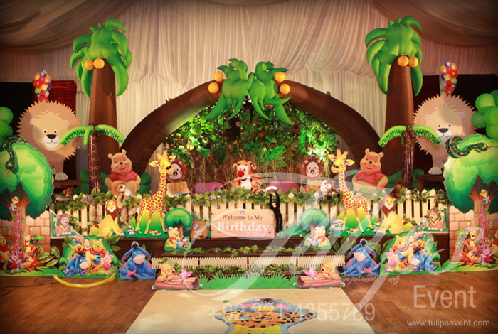 Tulips event best jungle safari birthday party theme for Decoration jungle