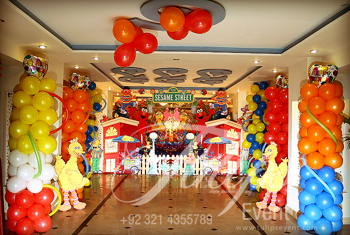 Sesame Street 1st Birthday Party Ideas Balloons Decoration With Themed Elmo In Pakistan