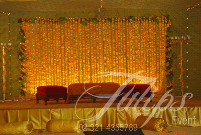 Mehndi Flower Arrangements : Tulips event best pakistani wedding stage decoration flowering