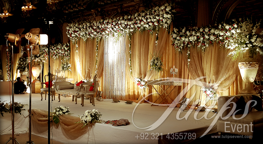 Best Thematic Wedding Planner Flower Stage Decoration Lighting Catering Services Provider In